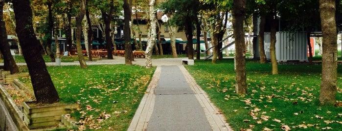 İstanbul Bilgi Üniversitesi is one of Tempat yang Disukai Ferhat.
