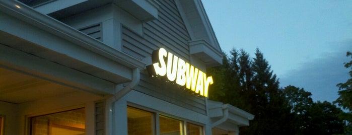 SUBWAY is one of Tempat yang Disukai Chelsea.
