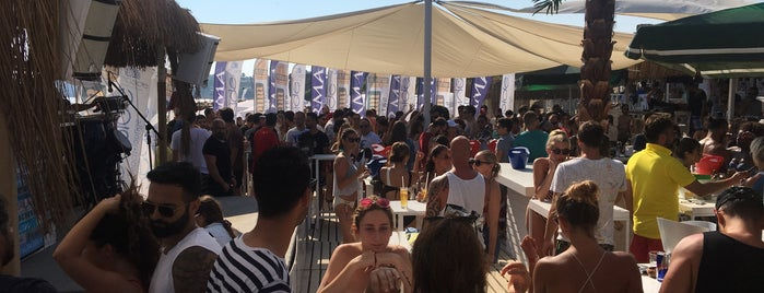 SeaSide Beach Lounge is one of Posti che sono piaciuti a Yılmaz.