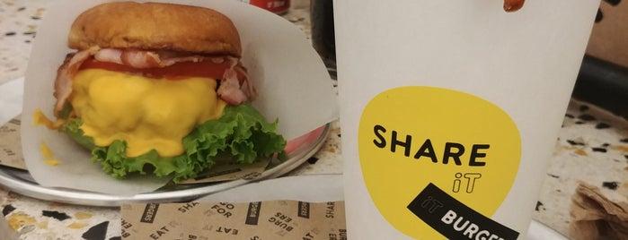 It Burgers is one of Lugares guardados de Rodrigo.
