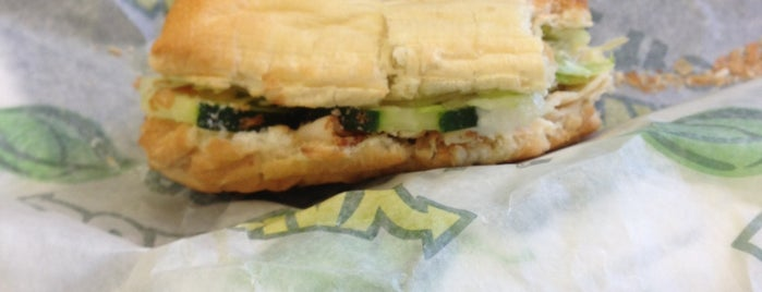 Subway Sandwiches is one of Tempat yang Disukai Jason.
