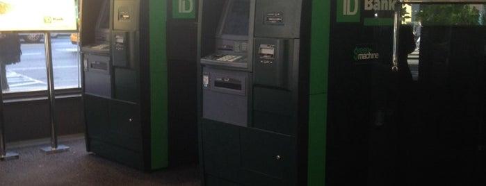 TD Bank is one of Lieux qui ont plu à dara lynne.