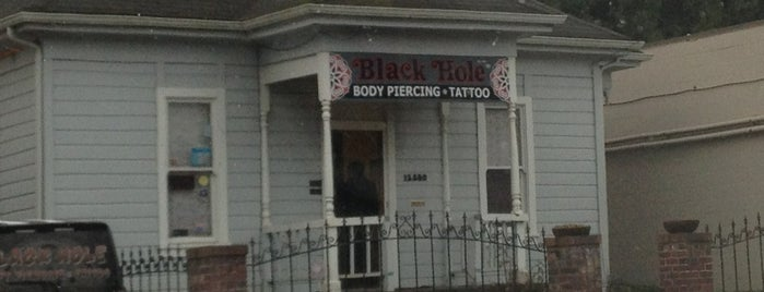 Blackhole Body Piercing is one of Tempat yang Disukai Rosana.