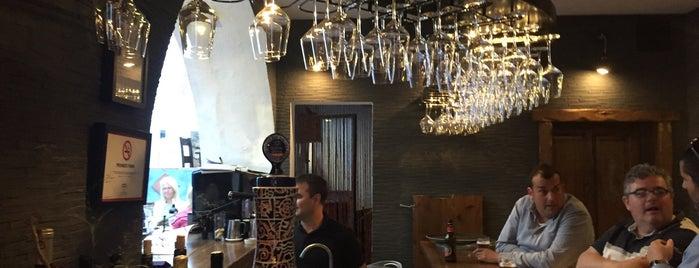 Casa 5 is one of Restaurantes Málaga 2.