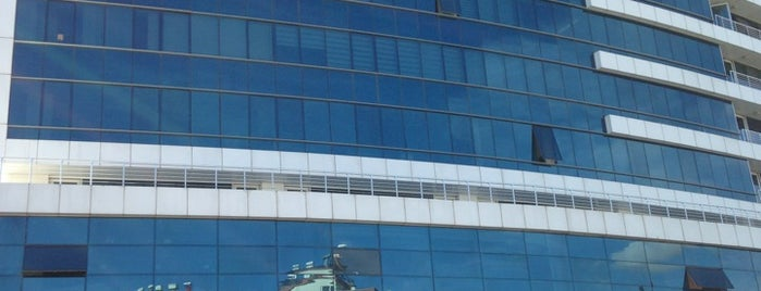 Mirador İş Merkezi is one of สถานที่ที่ F. ถูกใจ.