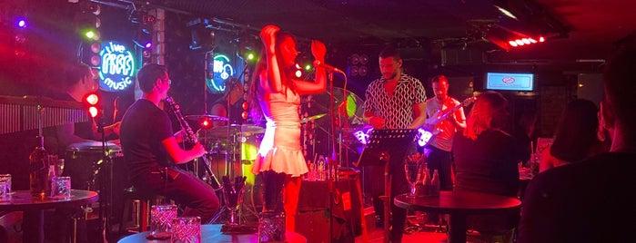 Riff Live Music is one of สถานที่ที่ Ahmet ถูกใจ.