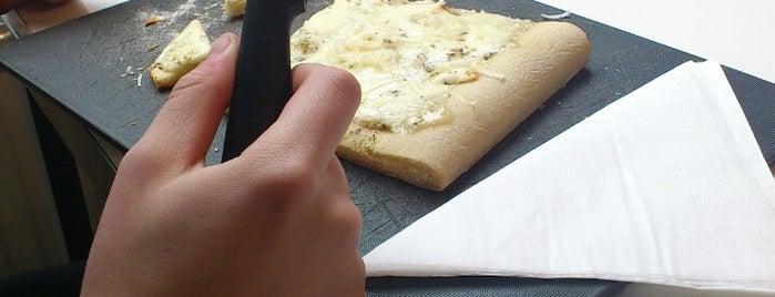 Pazzi Per La Pizza is one of 't Antwerpse.