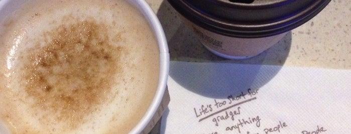 Caribou Coffee is one of สถานที่ที่บันทึกไว้ของ Dilara.