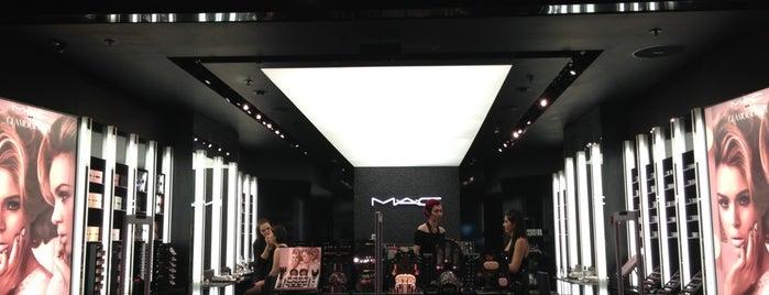 MAC Cosmetics is one of Locais curtidos por Natalie.