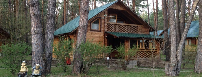 Загородный Клуб Good Wood is one of Tempat yang Disimpan ЭляМартика.