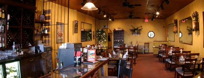 Le Voltaire Restaurant is one of สถานที่ที่ Sam ถูกใจ.