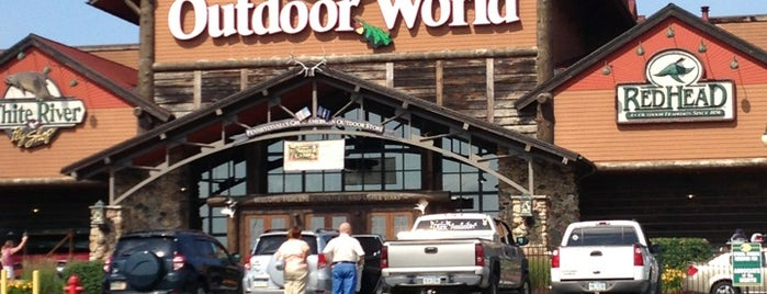 Bass Pro Shops is one of Joshua 님이 저장한 장소.