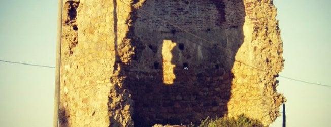Torre Quebrada de Guadiaro is one of Torres Almenaras en el Litoral de Andalucía.