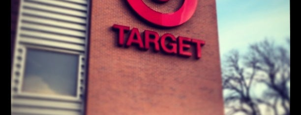 Target is one of Locais curtidos por Marco.