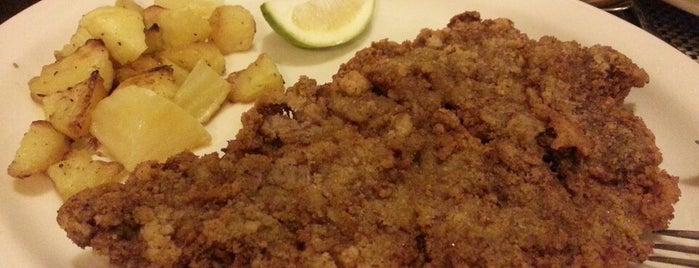 Daniele's Casa Mia Italian Restaurant is one of Locais salvos de Leo.