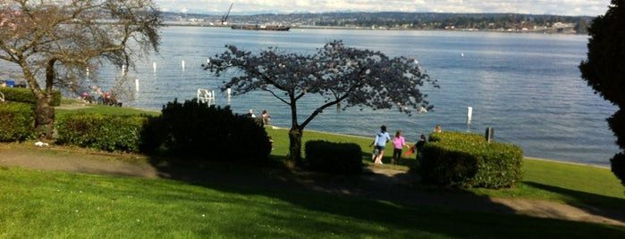 Madison Park is one of Seattle things to do.