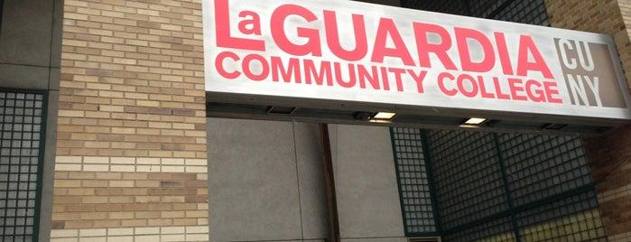 LaGuardia Community College, E Building is one of Lugares favoritos de Kristine.
