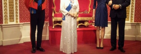 Madame Tussauds is one of Inglaterra.