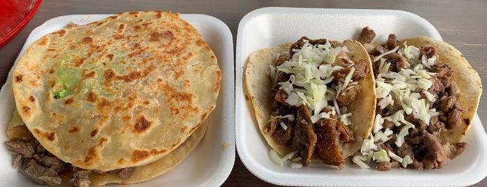 Tacos El Kora is one of สถานที่ที่ Carlos ถูกใจ.