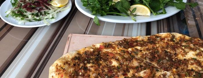 Çiğ Köfteci Recep Usta is one of Locais curtidos por Niyazi.