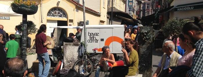 Kadıköy Çarşı is one of Istanbul - En Fazla Check-in Yapılan Yerler-.