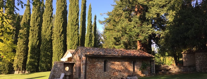 Borgo San Luigi is one of Tuscany.