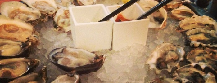 GT Fish and Oyster is one of Locais salvos de Cynthia.
