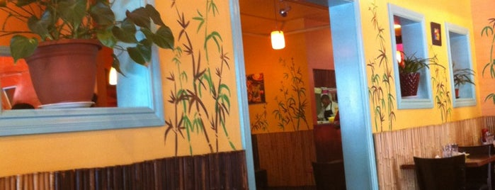 Coconuts Caribbean Restaurant & Bar is one of Posti che sono piaciuti a Anthony.