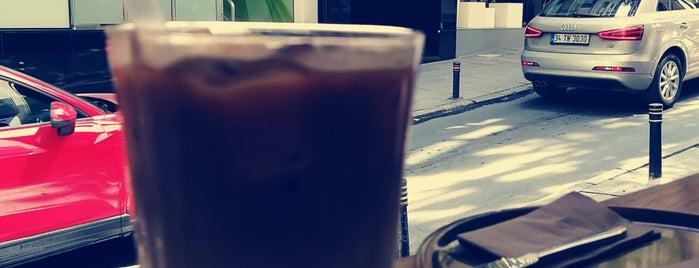 BORDERLINE Coffee is one of Posti che sono piaciuti a Cagatay.
