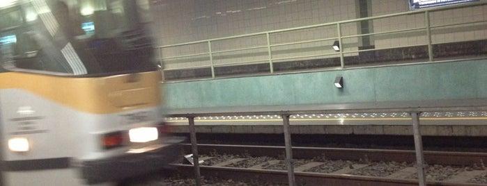 Tram 51 (MIVB / STIB) is one of En chemin....