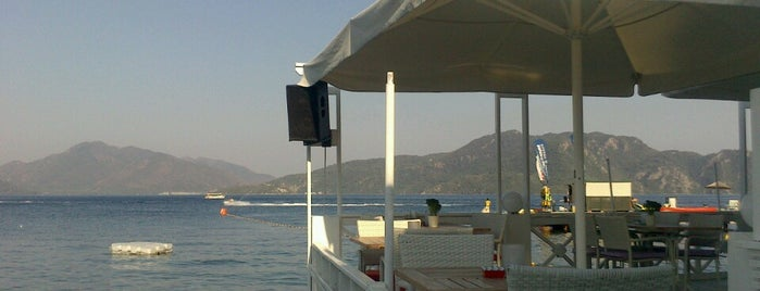 Monte Beach Club is one of Bitti.