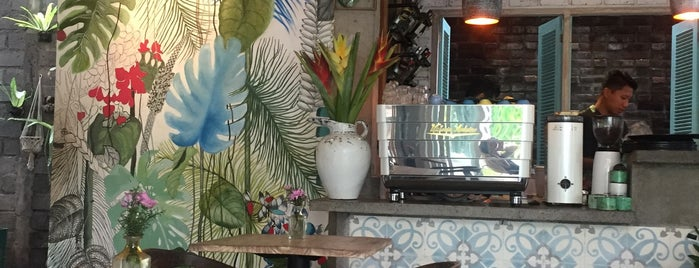Mocca Cafe is one of Бали🌴.
