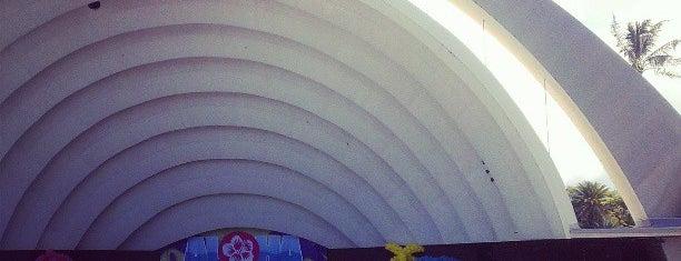 The Waikiki Shell is one of Lugares guardados de Jesennia.