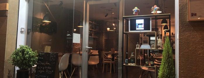 Quina Restaurante is one of สถานที่ที่บันทึกไว้ของ Clara.