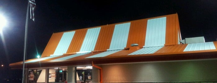 Whataburger is one of Tempat yang Disukai Amanda.