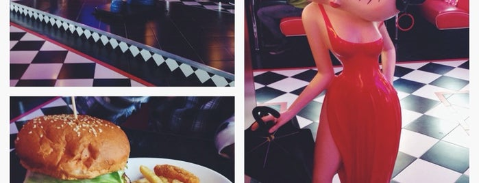 Beverly Hills Diner is one of Locais curtidos por Arman.
