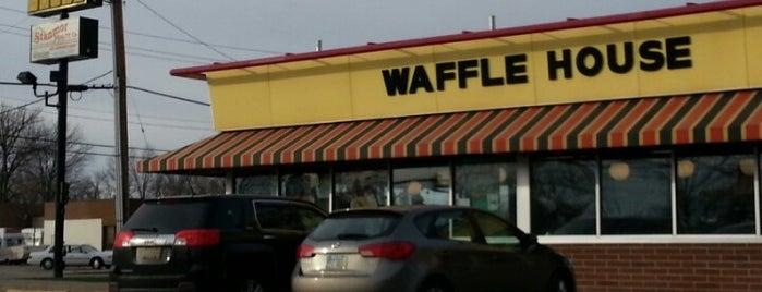 Waffle House is one of Gespeicherte Orte von Michael.