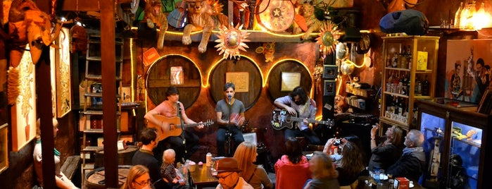 Gran Bodega Saltó is one of Bars musicals a Barcelona.