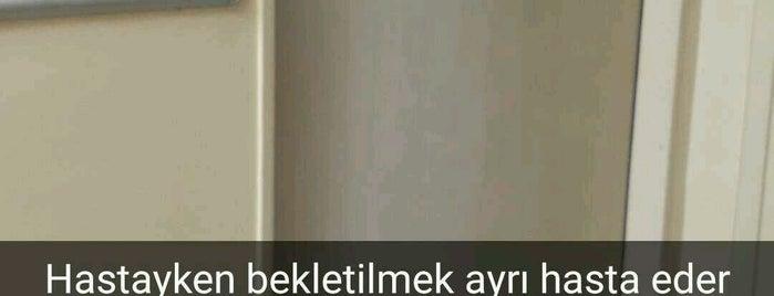 Ümraniye Merkez Sağlık Ocağı is one of SÜRÜCÜ KURSU http://www.ozsagyildirim.com/.