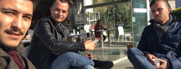 Tüvtürk Cafe is one of Lugares favoritos de Süleyman.