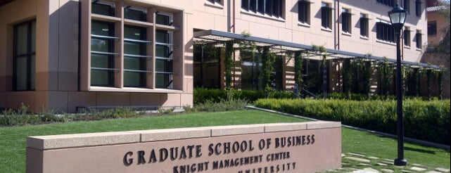 Stanford Graduate School of Business is one of Lugares favoritos de Sam.