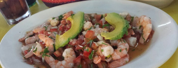 El Oasis Mariscos is one of Lugares favoritos de Jack.