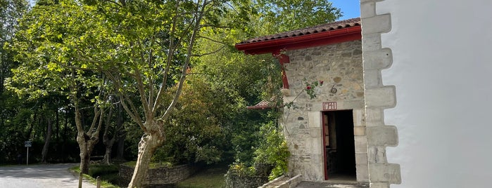 Moulin de Bassilour is one of Restaurantes.