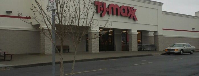 T.J. Maxx is one of Clarkさんのお気に入りスポット.