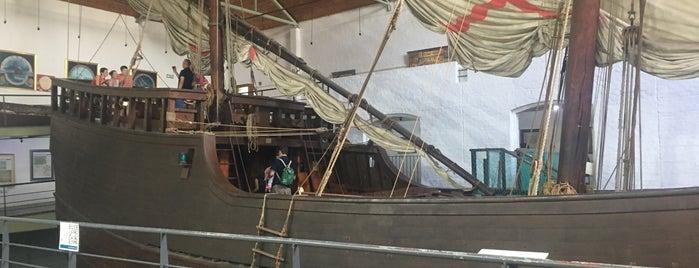 Diaz Museum is one of Locais curtidos por Anna.