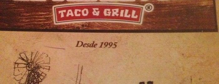 El Papalote Taco & Grill is one of สถานที่ที่ Alex ถูกใจ.