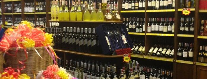 Foodmart is one of Lugares favoritos de Celal.