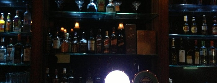 Jimi's cafe is one of Lugares favoritos de Rashmi.