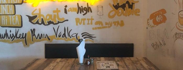 Light House Café is one of Simmy'in Kaydettiği Mekanlar.