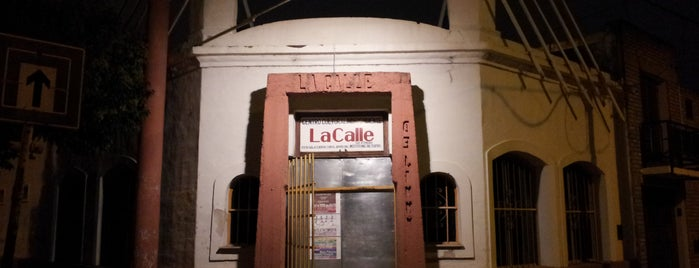 La Calle Teatro is one of Lugares favoritos de Leo.
